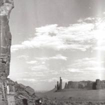 MV ON 820 Navajo Weavers in Monument Valley